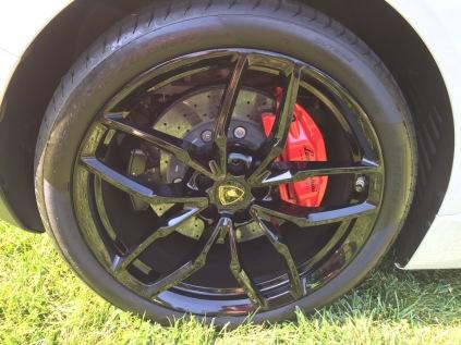 """Lamborghini Huracan 20"""" black wheels"""